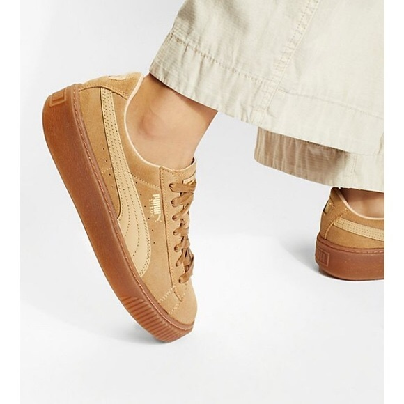 Puma Suede Platform Trace Runners Size 8 Tan